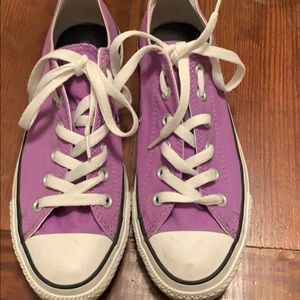 Purple converse all star shoes. Perfect shape!